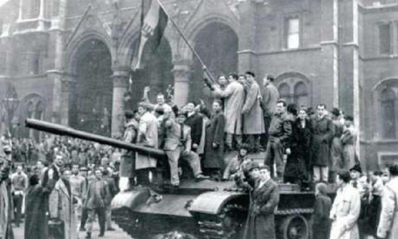 Восени 1956 року на вулицях Будапешта
