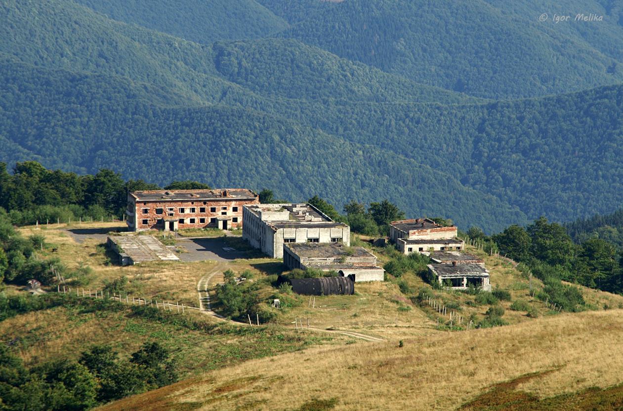 igor-melika-borzhava-gora-stoj-stij-1985-1995-57c (1)