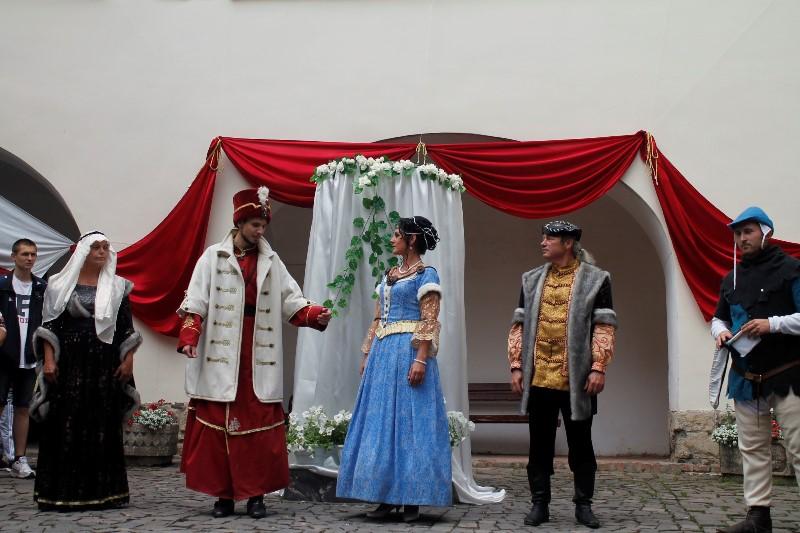 Історчина реконструкція весілля Ілони Зріні та Імре Текелі Мукачівський замок 2017 рік (3)